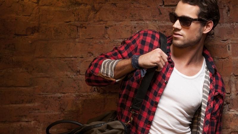 bolso moda masculina bandolera look informal